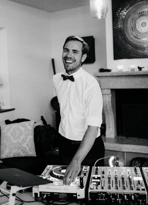 DJ l3vels Lorenz